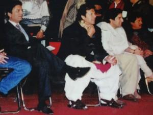 Au centre, Imran KHAN le joueur de cricket